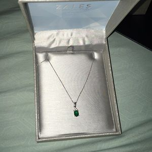 Emerald Diamond Silver Necklace and Ring